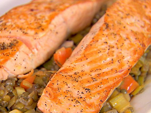 Ig0708_salmon2_lg - food network