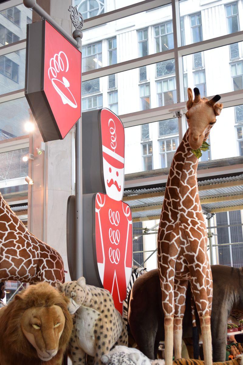 Giraffe FAO Schwartz