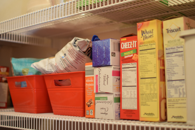 Pantry Before (10)