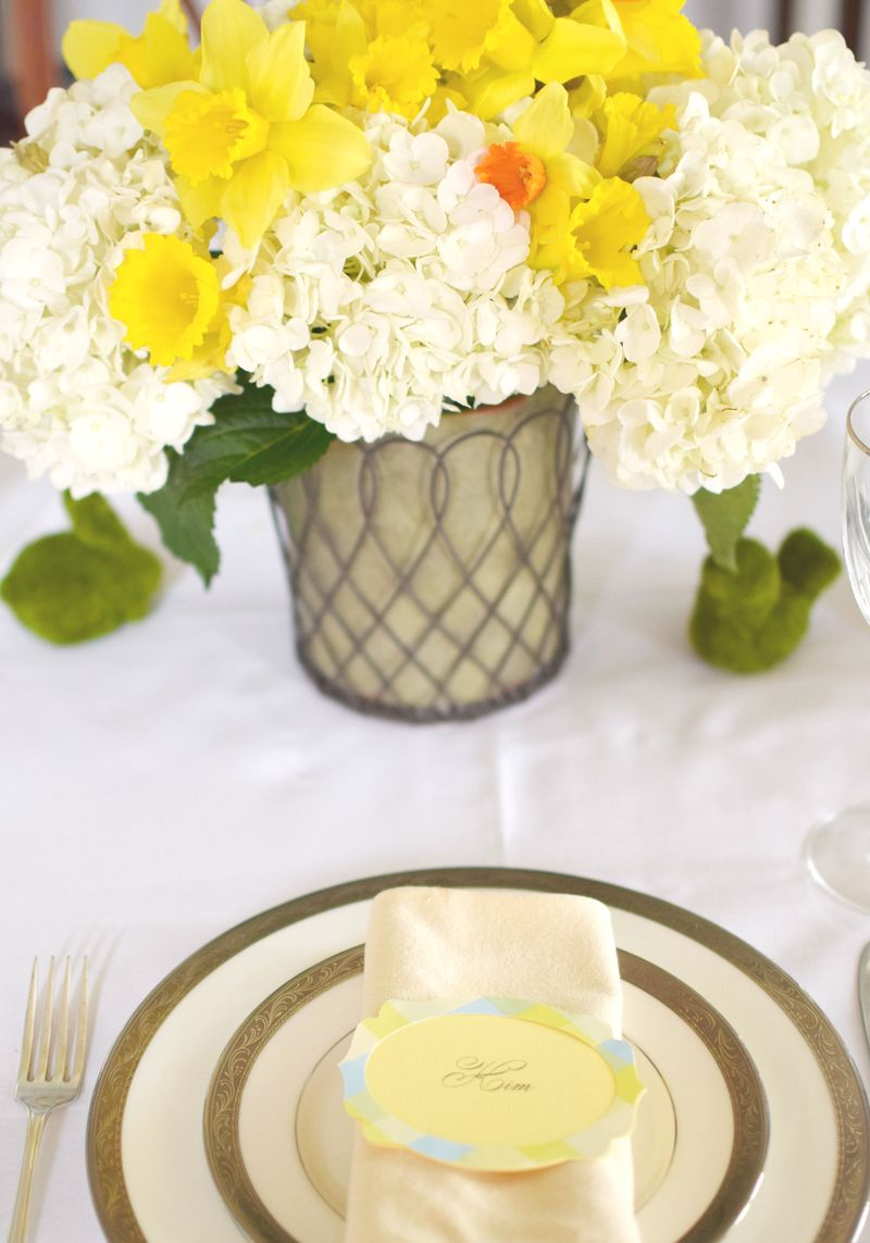 Yellow and White Tablescape 1