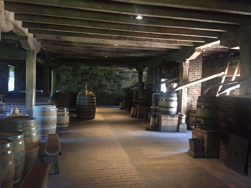 Washingtons distillery - leslie