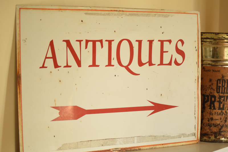 Vintage Antiques Sign (1)